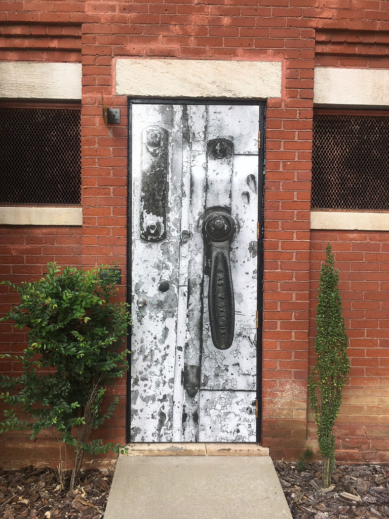 Rusted Door Deborah Brownstein Sponsored by Parking Authority of River City Alley Gallery Map Link & Alley Gallery - Louisville Art - Louisville Downtown Partnership